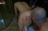 Sexo amador corno filmando o amante lambendo a buceta da mulher