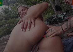 Porno salto alto da suruba gostosa com as novinhas no mato