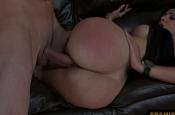 Melhor cena de sexo anal com a gostosa do bumbum siliconado no sofa