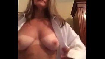 Coroas na webcam exibindo seu corpo definido e gostoso