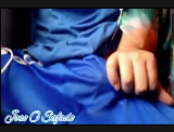 Safada no onibus tocando uma punheta escondida pro namorado