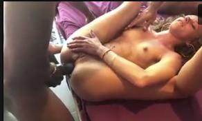Sexo anal boa foda da magrinha gritando de prazer