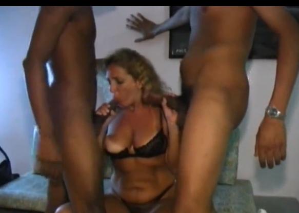 Video de sexo com velhas no dp amador com magrelos