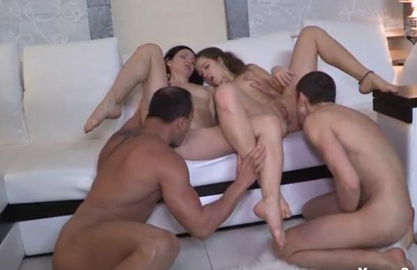 Video porno troca de casais das mulheres trepando com homens sarados