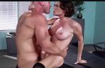 Porno caseiro com coroas malhada trepando com careca