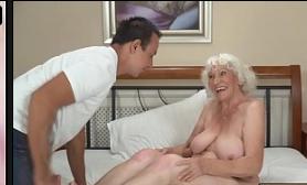 Xvideos com velhas dos peitos grandes metendo gostoso
