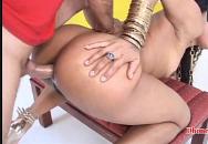 Brasileira dando gostoso de 4 sendo arrombada no anal