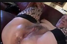 Dando uma ejaculada depois do sexo na buceta da tia