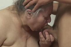Vídeo de sexo da velha chupando rola