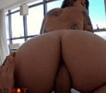 Assistir video porno de jovens rebolando na piroca