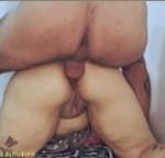 Comendo com força a novinha puta peladinha
