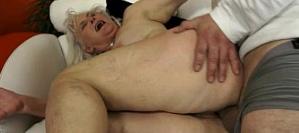 Filmando mulheres velhas na putaria transando