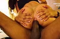Vïdeo porno do bom comendo a brasileira