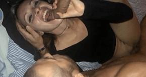 Menina gordinha fazendo uma garganta profunda filme