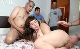 Vídeo amador de sexo do velho fodendo novinha