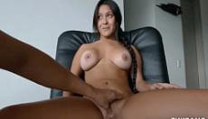 Safado filmando e masturbando o cu de famosa