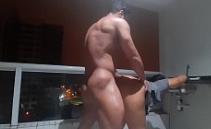 Vídeo amador porno de casal fodendo a bucetuda